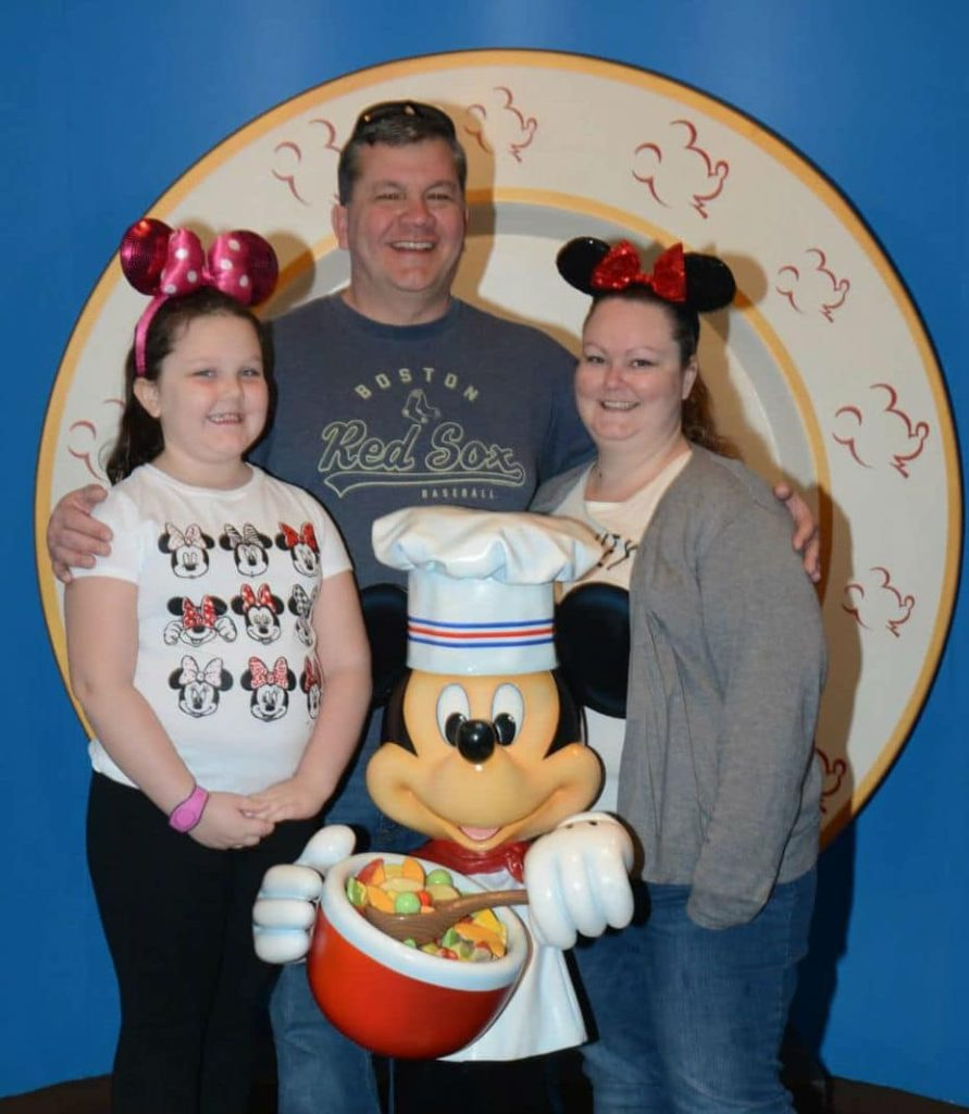 Chef Mickey's Restaurant Review
