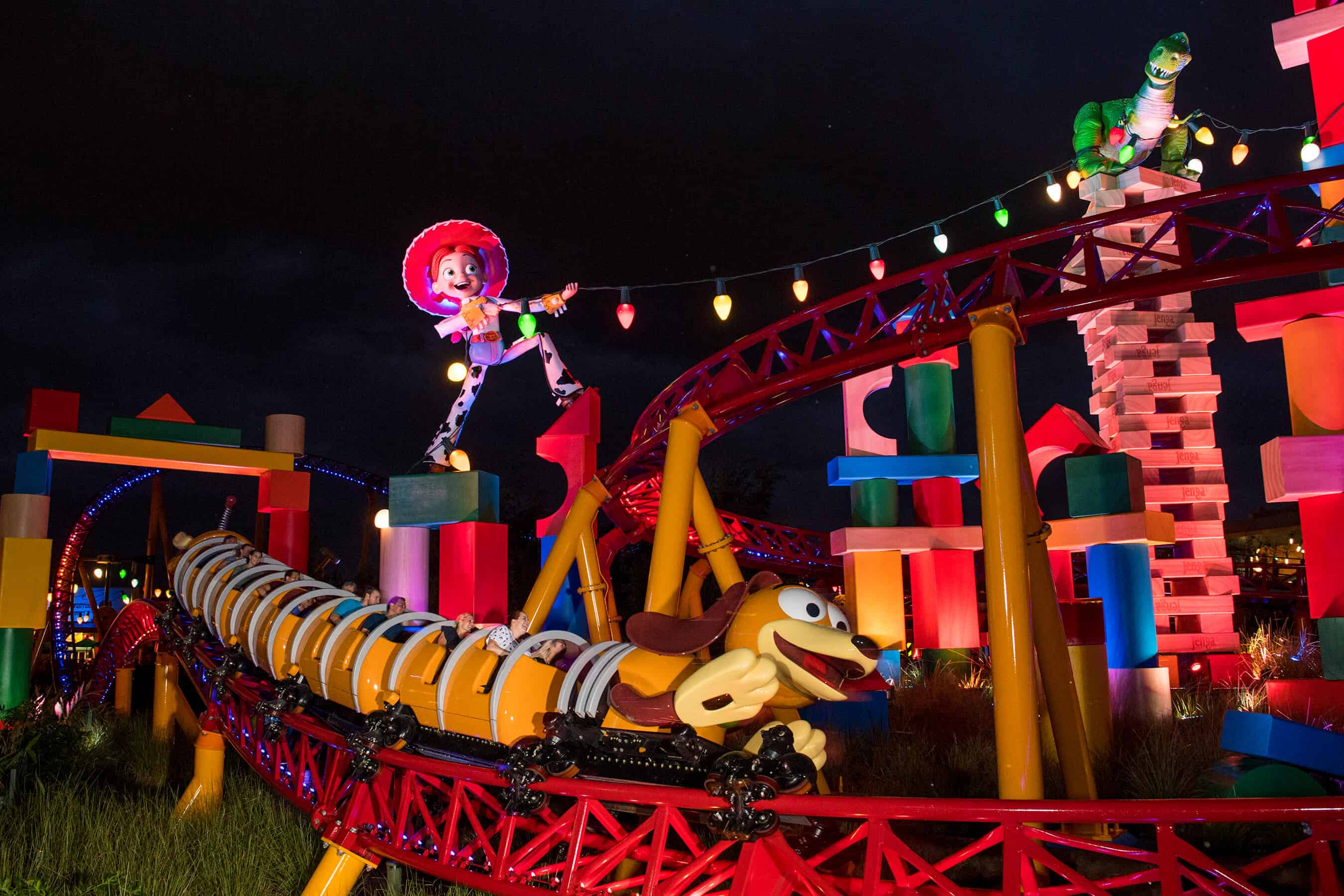 toy story land night time