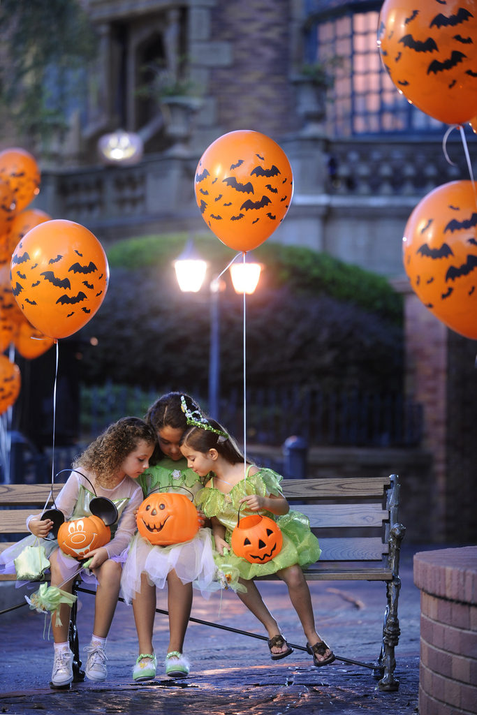 Mickey's Not So Scary Halloween Party Guide 8