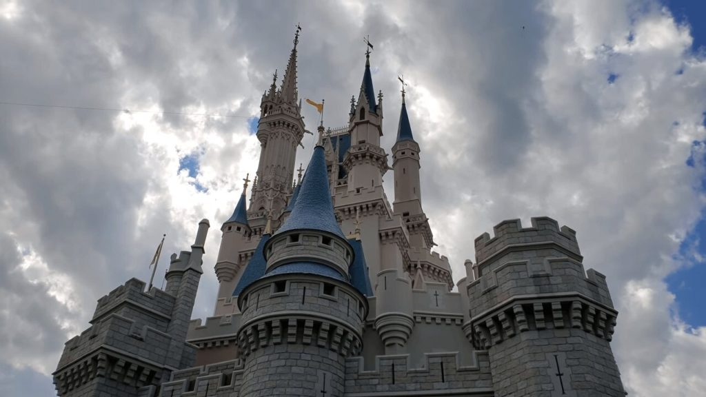 Magic Kingdom : The Ultimate Guide 9