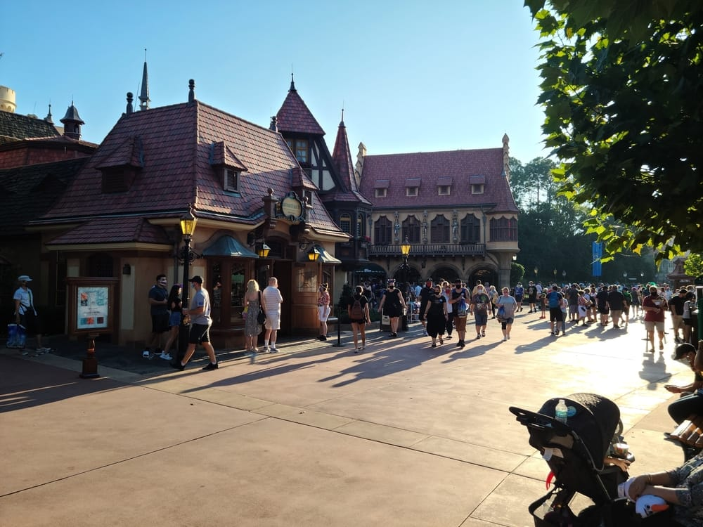 Complete Guide To Epcot Rides & Attractions 8