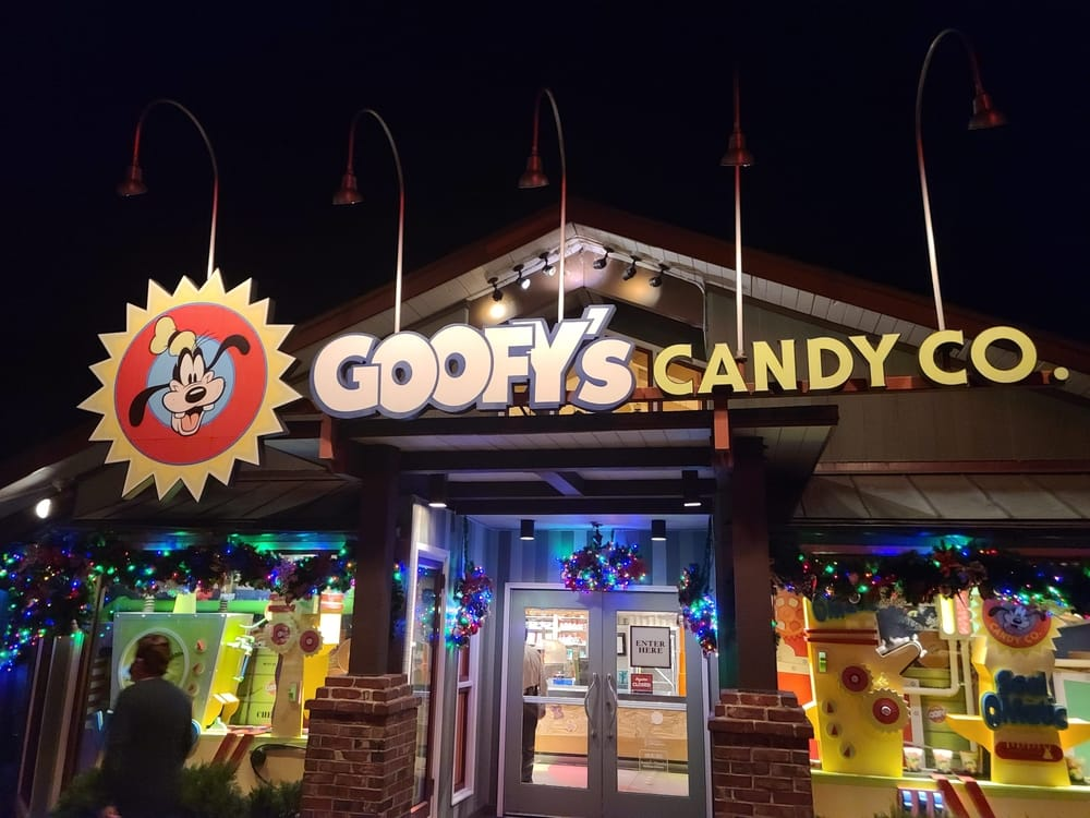 Top 5 Treats At Goofy's Candy Co Disney Springs 1