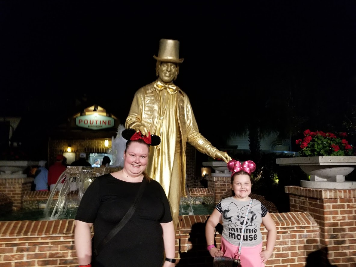 living statues disney springs h+s