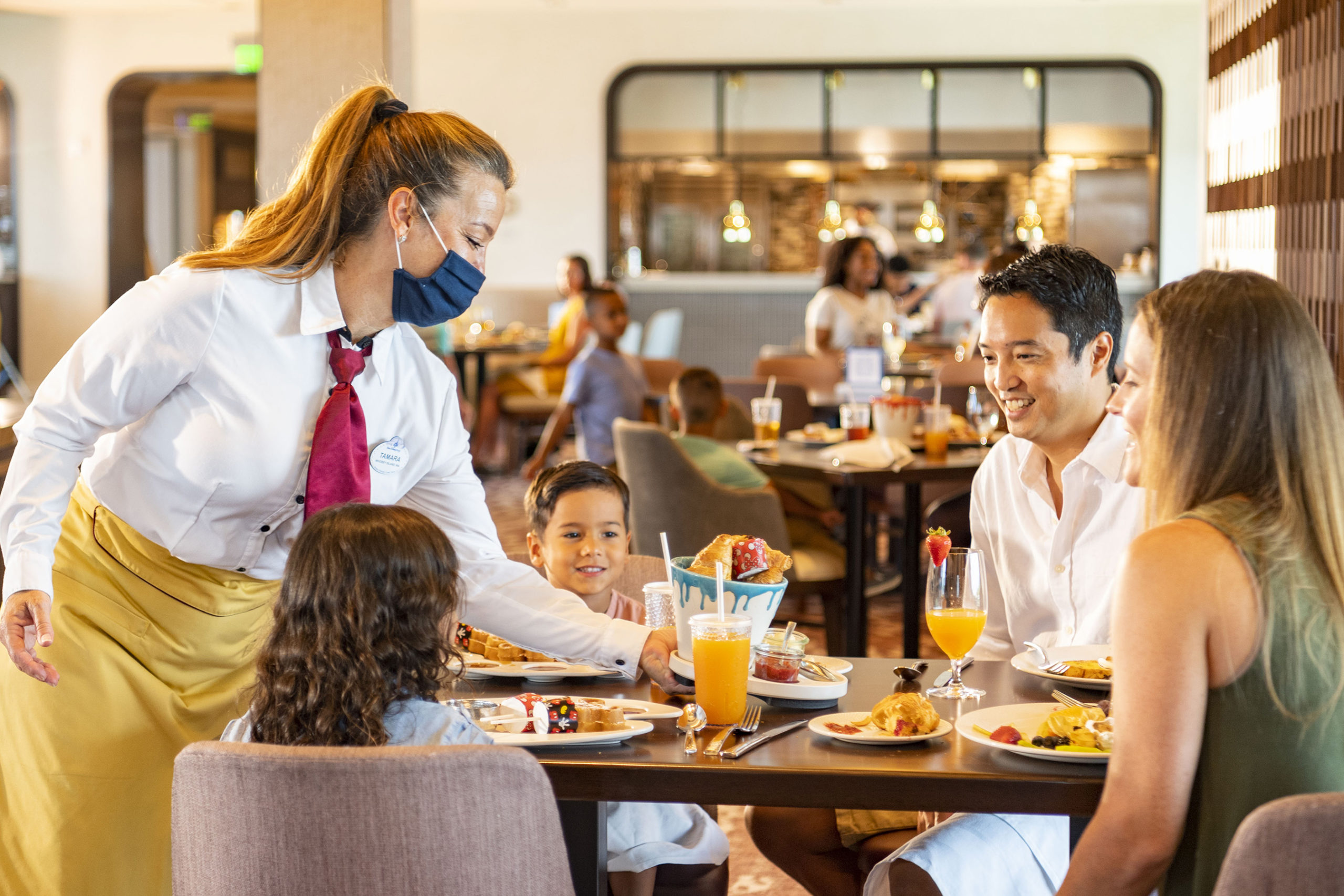 What Are The New Health and Safety Measures At Disney World? Dining 1