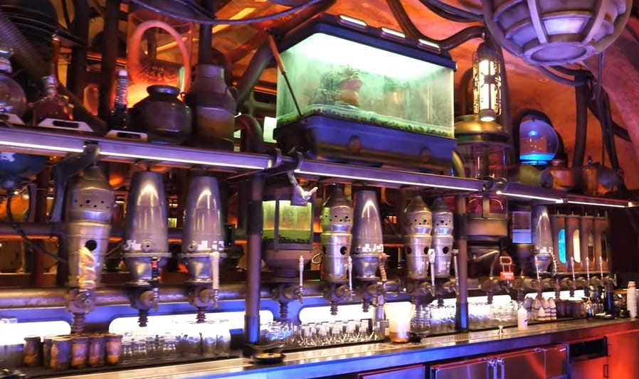 How Do I Make Reservations for Oga's Cantina? Hollywood Studios 2