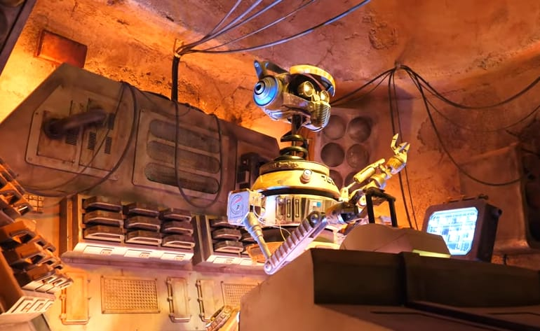 How Do I Make Reservations for Oga's Cantina? Hollywood Studios 4